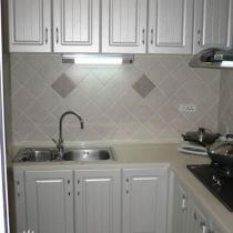 白色欧式的厨房
