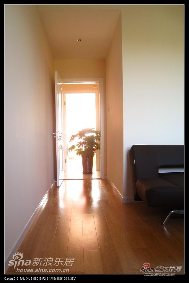 阳光照进房间,幸福就在身边