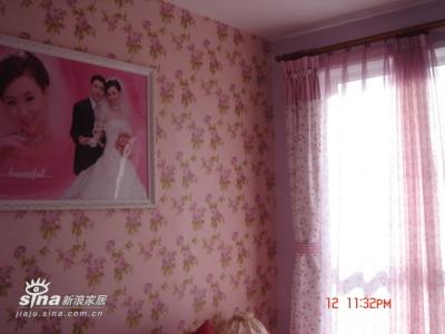 卧室的小花壁纸