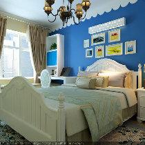 湛蓝色是蓝色中最为生机勃勃的色彩,你可以尝试着将带有湛蓝色的沙发放进卧室,让卧室洋溢着浪漫主义风情。无论在哪一个角落,都能体会到蓝色气息给主人带来的悠然自得的情绪。