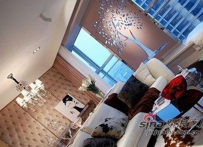 看看晚上客厅的整体效果。