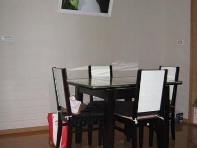 餐厅:餐厅的餐桌是原有的,我们看着还能用,就留下了