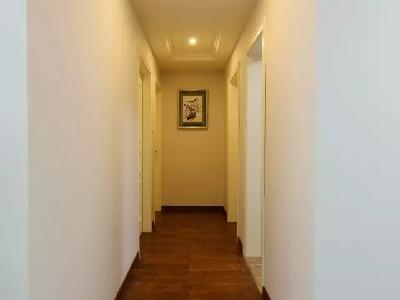 在通往梦乡的走廊,犹听那光着脚丫的精灵,轻快地踏步,温馨浸漫于幽然。