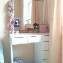 主卧室化妆台
