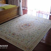 床头的地毯