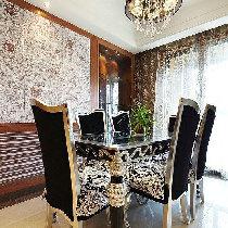 古典欧式风格的餐桌,给整个就餐区域增加了华丽的篇章