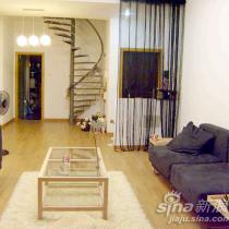 楼梯是当时找铁匠弄得,共计花费3500块,没有侃价,因为小铁匠很可爱