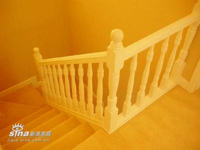 上楼了~楼梯先咔嚓一下
