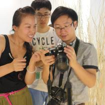 【趣味生活公开课】第二期:教你三小时玩转单反活动圆满成功!学员们不惧酷暑,怀着对摄影的热爱积极参加,收获颇丰!下面是本次活动的现场照片摘录——