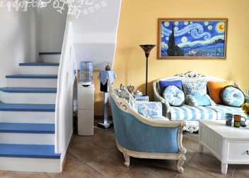 客厅与楼梯
