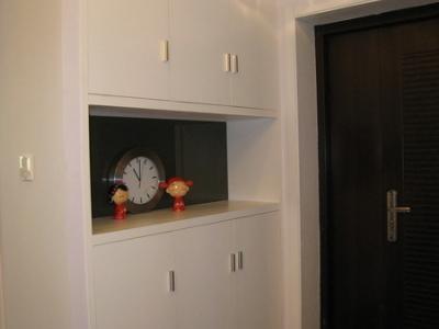 右边的鞋柜,容量很大
