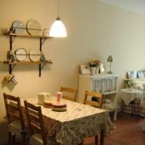 饭桌与沙发的位置关系