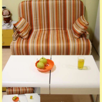 沙发和茶几,茶几是可以打开的,我变、变、变!