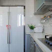 厨房另一边,我超爱的对开门冰箱