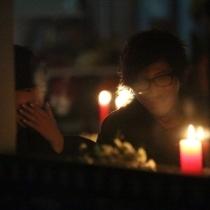 刘谦与富三代女友约会吃烛光晚餐