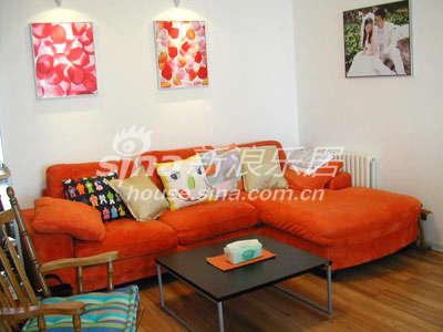 沙发,家里颜色不能太红,特别是墙上的,容易导致脾气暴躁