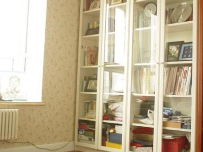 书房,书房太乱了没收拾利索呢~~所以先看一小小眼:)