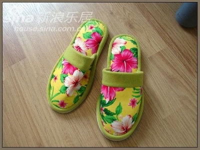 """一双""""绣花鞋"""""""