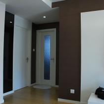 小房间和厕所门