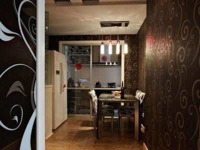 两房一厅,一共使用面积76平,客厅的全景,客厅外面是阳台,改造的休闲区。