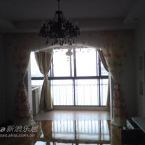 收起窗帘的样子,精挑细选的阳台南瓜灯
