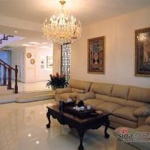 站在客厅处看这个家,所有饰品流露女主人对生活及设计的用心