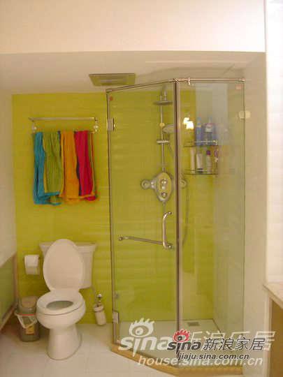 这个是淋浴间,当时设计的时候就按照比较欧式设计,一般在国外,浴缸旁边都会有个淋浴亭,虽然有些浪费一直觉得,弄了这么多洗澡的地方