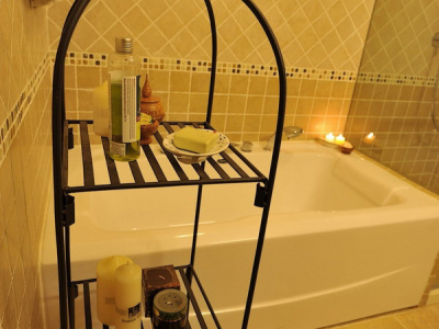 为了挤下一个淋浴间 换了一个1.5米的浴缸