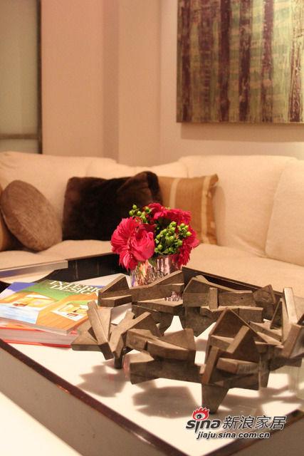 茶几上的装饰花
