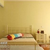 嫩黄的儿童房墙面色彩,简约的欧式宫廷床