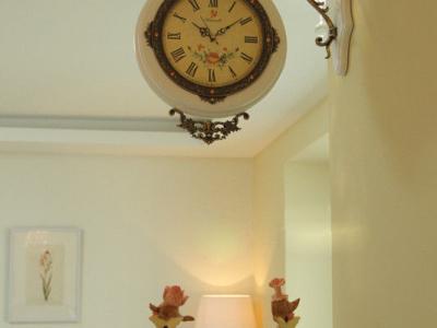 客厅装饰钟