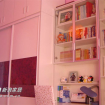 订做的衣柜,书柜是老公设计的,书柜书桌电脑桌三合一