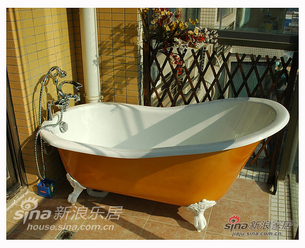 秀一下铸铁的浴缸