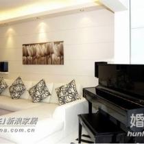 黑色钢琴与客厅融为一体