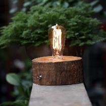 善物 原木手工经典款爱迪生台灯。经典款木桩台灯,原木纯手工制作。购买链接:http://www.nuandao.com/product/20080
