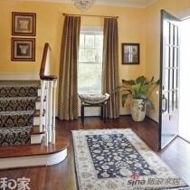 在玄关地毯的选择时,有时可以参照临近的室内地毯,选择类似风格,以保持格调一致