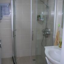 卫生间(淋浴间1500元)