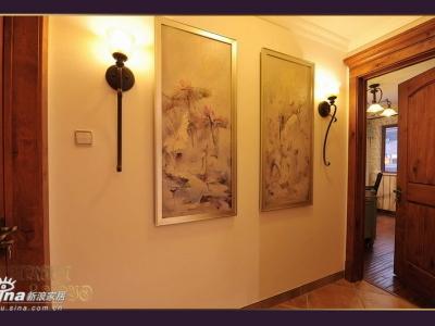 沿着走廊继续向前,这两幅油画色彩和意境都很满意