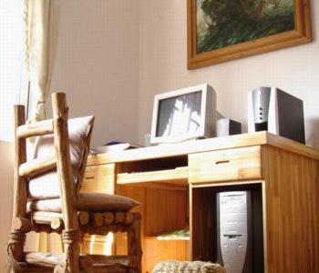 杉木电脑桌及自制木椅