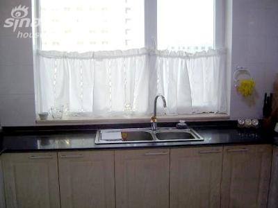 厨房6 照的有点暗,水槽超大,买的时候人家问我是家用还是饭店用,我汗!