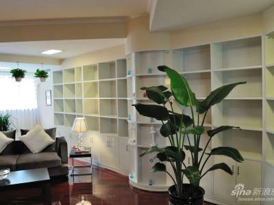 书房兼客厅