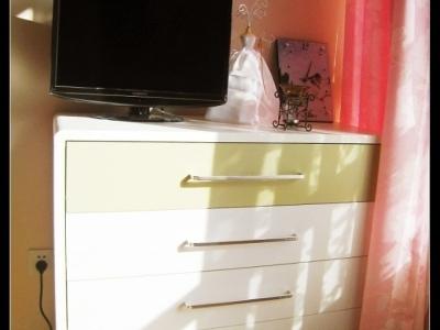 这个柜子我让摆的房子中间的,他们居然放到墙角了,晕