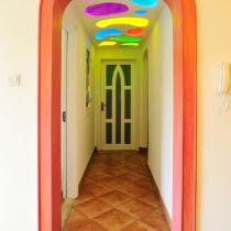 走廊,通向卧室