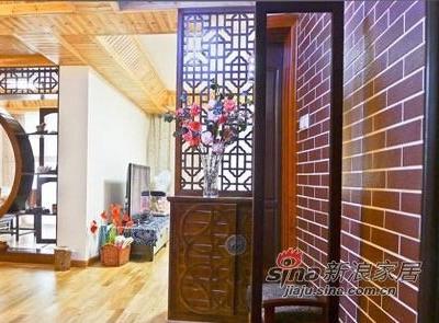 隔断与镂空的设计给客厅增添了些许别样的趣味。