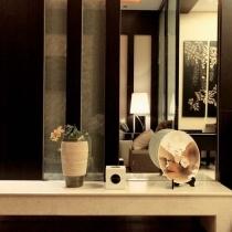 走进110平现代日式豪华居 完美黑色实木线条