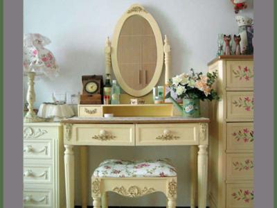 梳妆台:http://item.taobao.com/auction/item_detail-db2-6b940877eb2208a2492dc5facd325962.jhtml