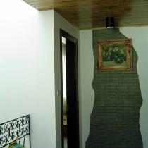 二楼走道的玄关。