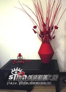 客厅一角的花瓶