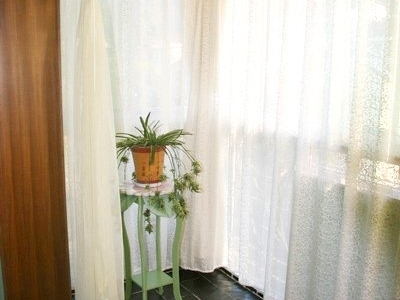 自己缝的窗帘,手艺不错吧