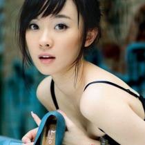 不过这却惹怒了陆川,最终决定由霍思燕顶替杨幂出演女主角。